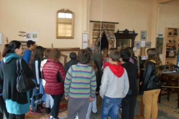 Επίσκεψη των μαθητών της Στ τάξης στο Λαογραφικό Μουσείο Λεχαινών